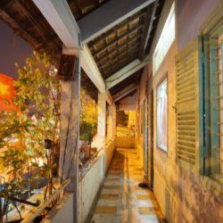 Hột cơm nhà bên – Đường
