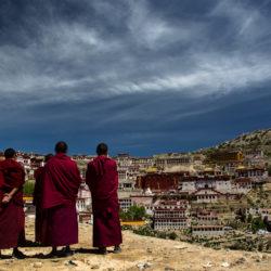 """Thương Ương Gia Thố – """"sinh vì Phật, sống vì tình"""""""