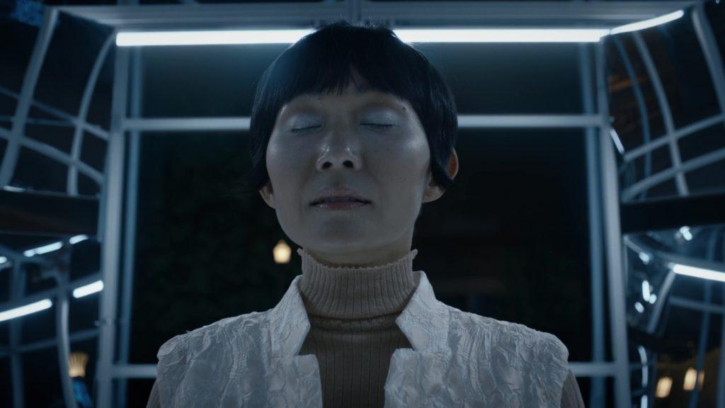 Bà Triệu chuẩn bị hấp thụ sức mạnh của Dr Manhattan