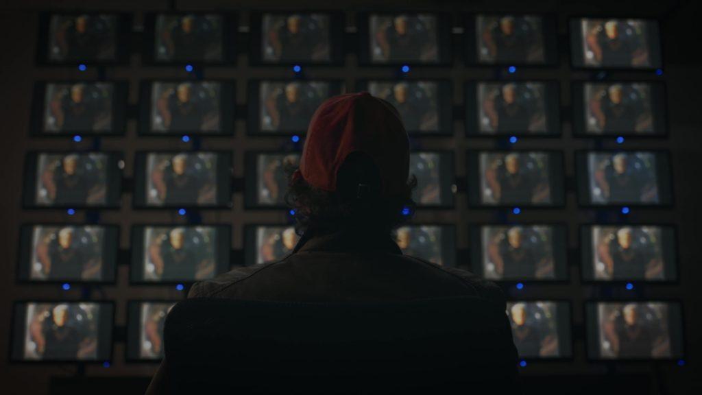 Wade xem đoạn video và thoát khỏi nỗi sợ về một vụ nổ tâm linh